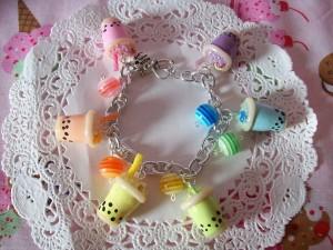 bubble_tea_charm_bracelet_by_lessthan3chrissy-d4ogo6j - Copie
